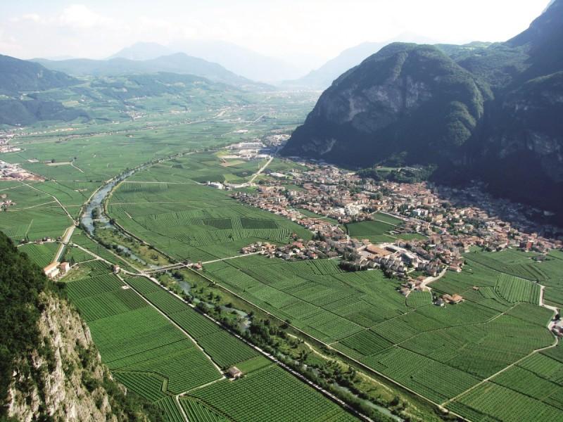 """""""Trentino in Giro"""": spettacolo sulla Paganella e finale nella terra del Teroldego"""