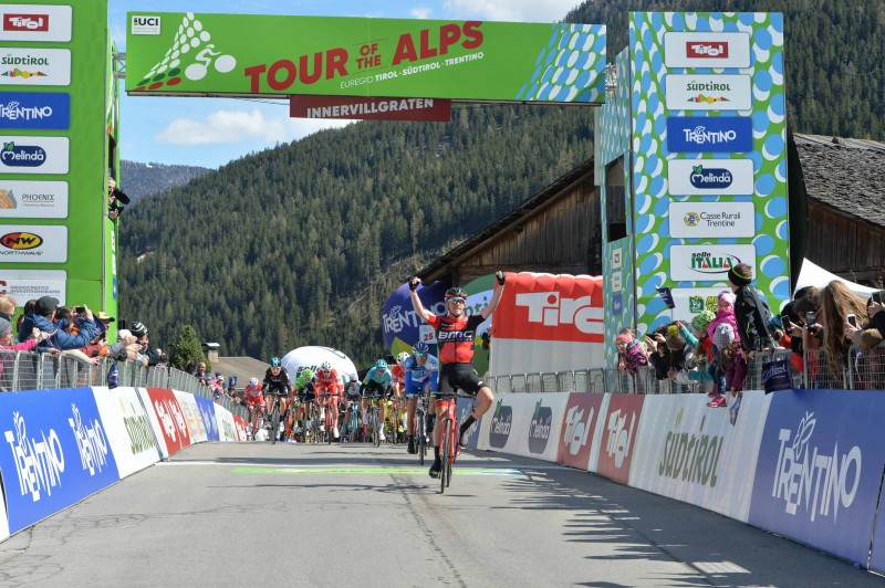 Tour of the Alps 2017: Dennis tops the stage 2