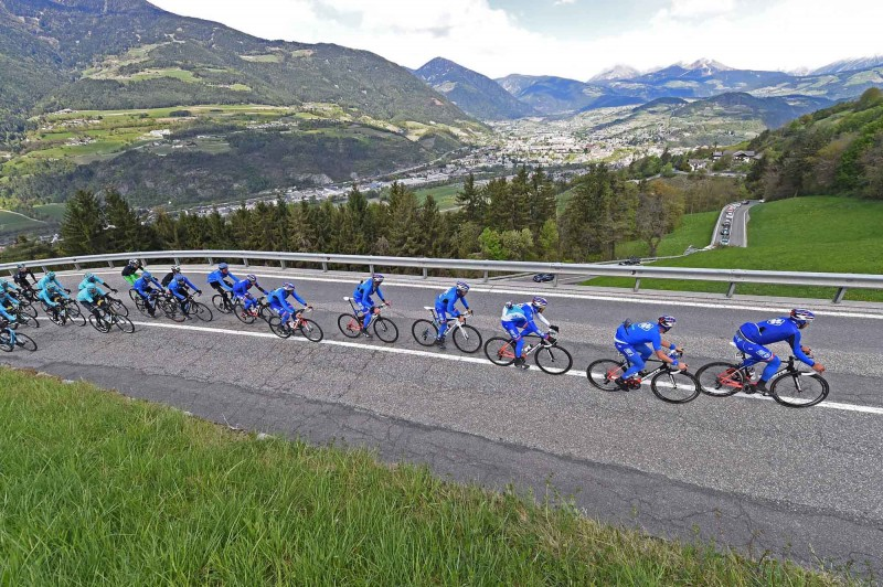 3. Etappe Tour of the Alps - Start und Landschaften