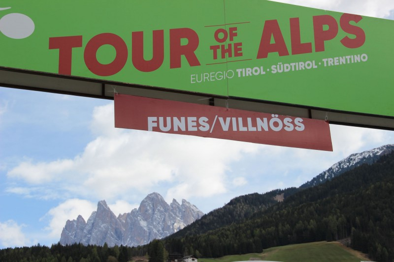 Tour of the Alps 2017: waiting for stage 3 finish
