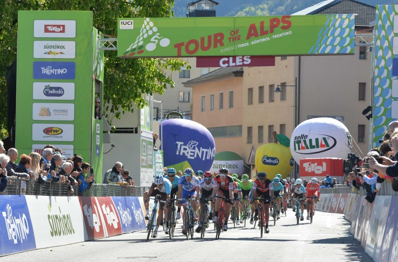 Montaguti celebrates stage 4 win after a breath-taking sprint