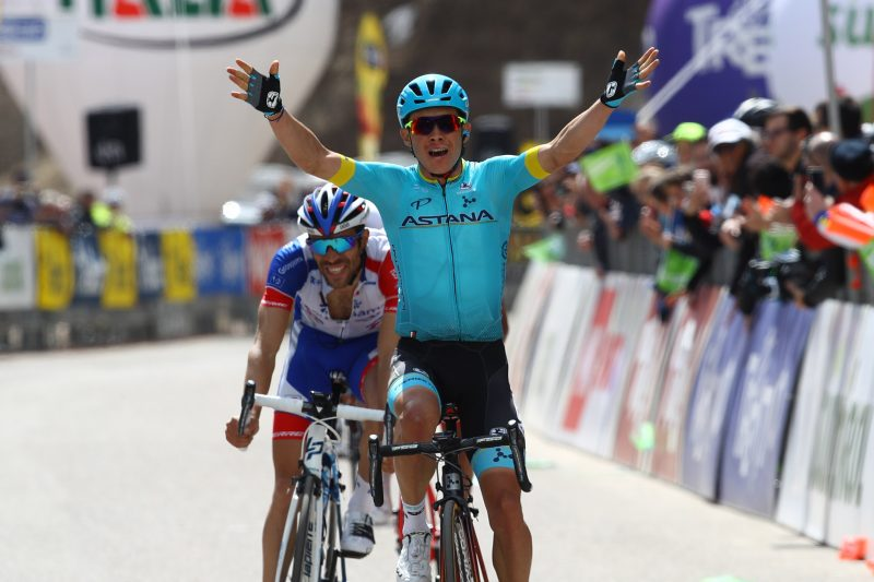 Stage for Lopez, race lead for Sosa: it's a Colombian fiesta in Pampeago