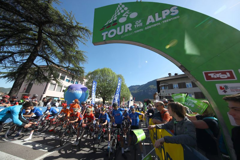 2018 Tour of the Alps - Big surprise in Meran: O'Connor wins #TotA stage 3