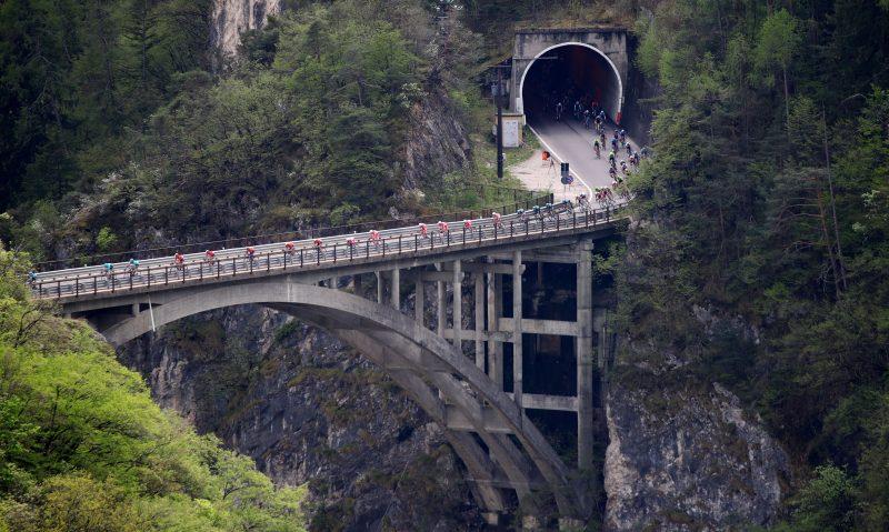 Tour of the Alpes 2019— 4 tappa Baselga di Pinè - Cles  km 133, il gruppo.- Cles, Italia, 25/04/2019.  photo:Pentaphoto/Alessndro Trovati.