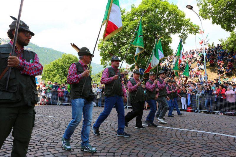 Il Tour of the Alps e gli Alpini insieme sulle strade dell'Euroregione