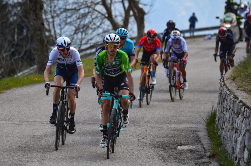 Tour of the Alps 2021 - 45th Edition - 4tn stage Naturno - Pieve di Bono 168,6 km - 22/04/2021 - Simon Yates (GBR - Team Bikeexchange) - Daniel Martin (IRL - Israel Start-Up Nation) - photo Dario Belingheri/BettiniPhoto©2021